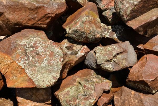 Moss_Rocks